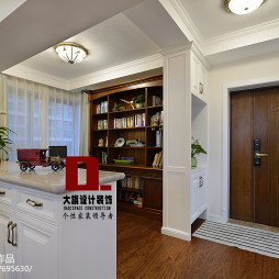 白色美式书房隔断设计