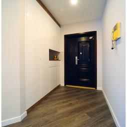 二居室现代过道装修效果图