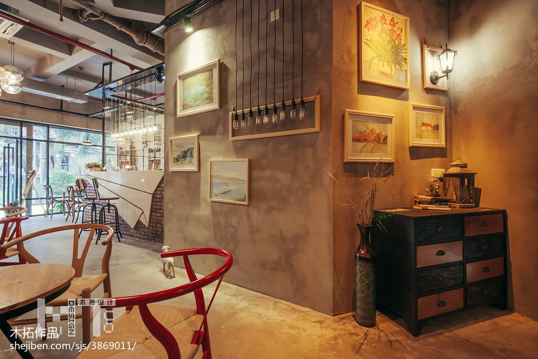 复古咖啡厅装修效果图_时尚复古咖啡厅照片墙设计 – 设计本装修效果图