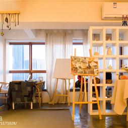 咖啡厅博古架隔断设计