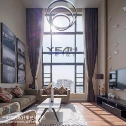 黑白灰温馨现代客厅落地窗设计