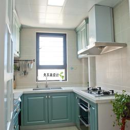 美式厨房吊柜装修设计图片