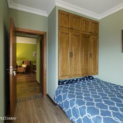 美式卧室墙壁收纳柜装修效果图