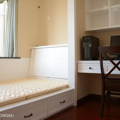 暖色调美式儿童房榻榻米装修图片