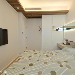 台式风格卧室衣柜装修图片