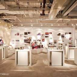 原始洞穴风格设计师品牌集成店展示柜图片