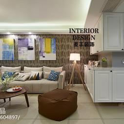 现代简约四居客厅吊柜设计