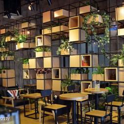 咖啡厅植物墙隔断设计