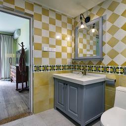 轻美式三居卫生间瓷砖拼花效果图