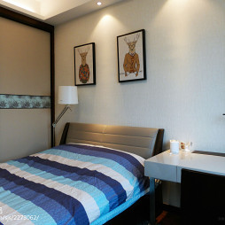 台式简约卧室背景墙装修设计