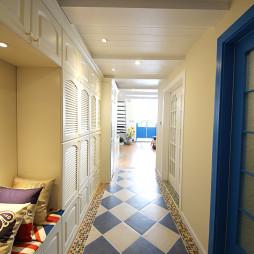 蓝色地中海风格过道设计