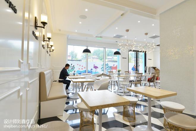 韩国咖啡厅餐桌摆放效果图