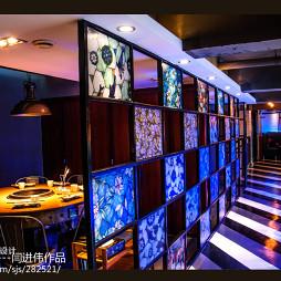 重庆呱呱老火锅包厢装修