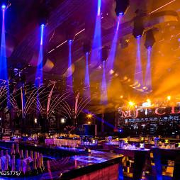 摩界酒吧吊顶设计