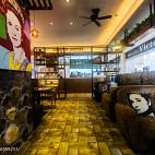 女王咖啡厅过道装修图