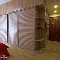 家装中式风衣柜装修图