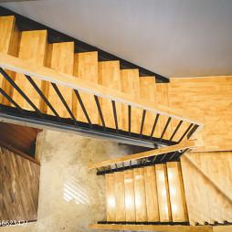 CARLLY咖啡馆楼梯设计