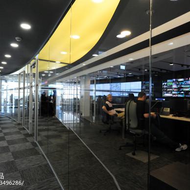 现代年轻化办公空间会议室设计