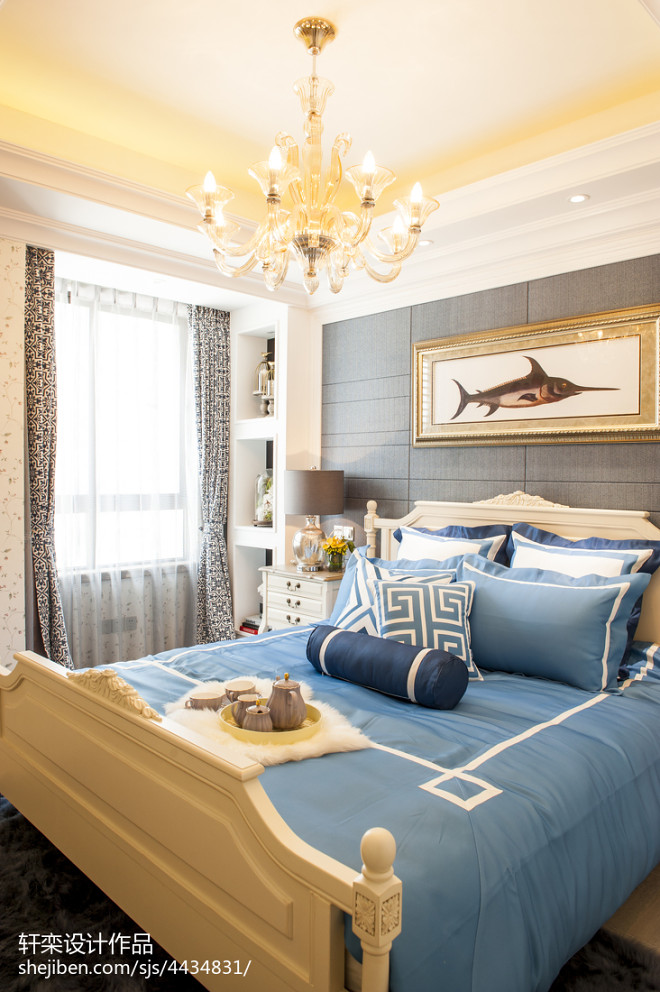 家居美式风格奢华卧室装修
