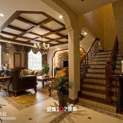 美式风格别墅楼梯效果图