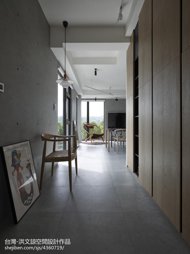 现代风格复式家居过道设计