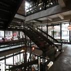 漫咖啡店楼梯设计