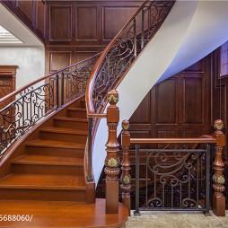 美式风格楼梯布局效果图