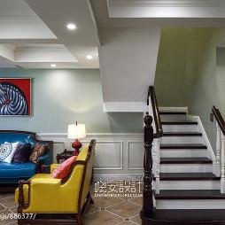 美式风格楼梯装饰图