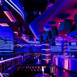 酒吧创意吊顶设计