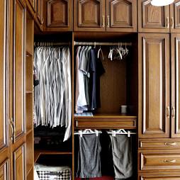 轻奢美式风格衣柜装修
