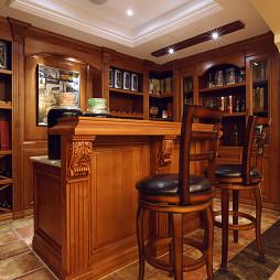 欧式风格复式酒窖装修