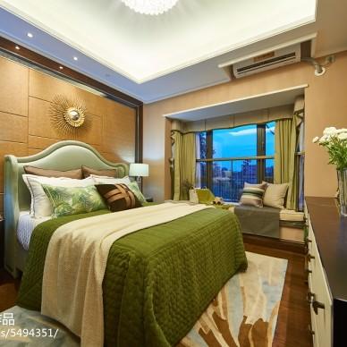 温馨美式格调卧室设计效果图