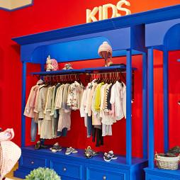 童趣王国童装店展示架设计