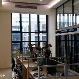 科技公司办公室_2438368