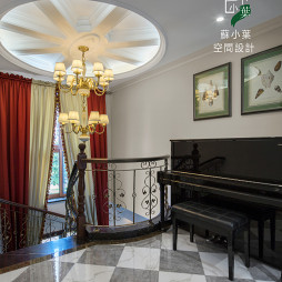 美式风格旋转楼梯设计