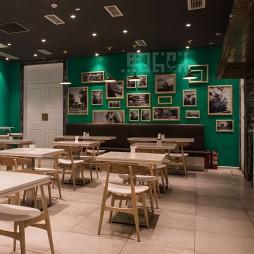 新加坡龙标小厨照片墙装修