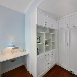 温馨美式风格儿童房衣柜设计