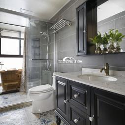 美式格调复式卫浴设计