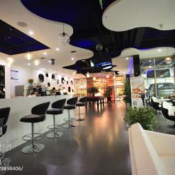 黑与白咖啡厅室内装修