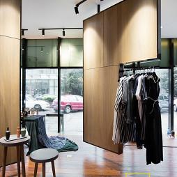 服装店创意展示架设计