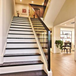 别墅现代风格楼梯装修