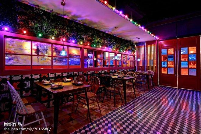 肉蟹煲主题餐厅用餐区设计