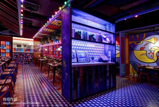 肉蟹煲主题餐厅隔断设计