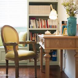 美式三居室书房效果图