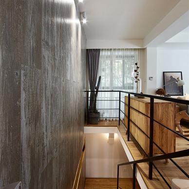 简单北欧风格楼梯装修