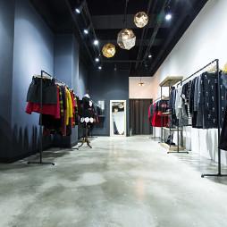 HALO服装店装修案例