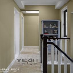 美式风格楼梯间过道设计