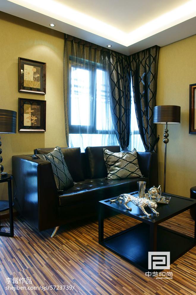 混搭风格黑色系客厅设计