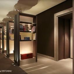 柏悦酒店过道书架设计