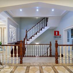 混搭风格白色楼梯设计